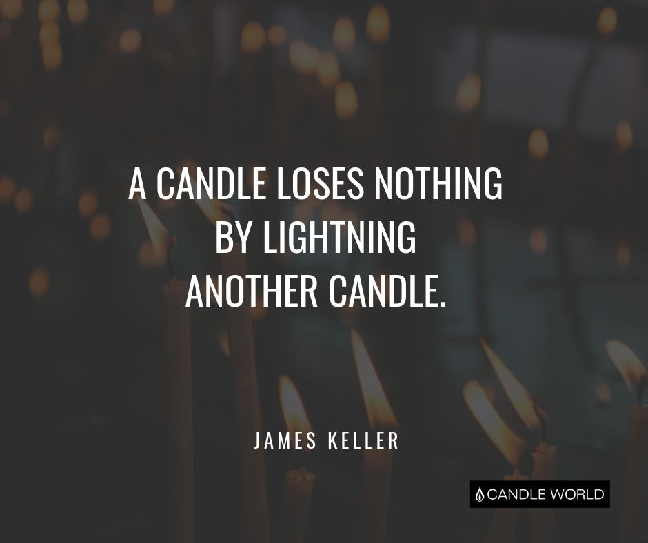 Cytat motywacyjny cytaty o świeczkach A candle loses nothing by lightning another candle - James Keller